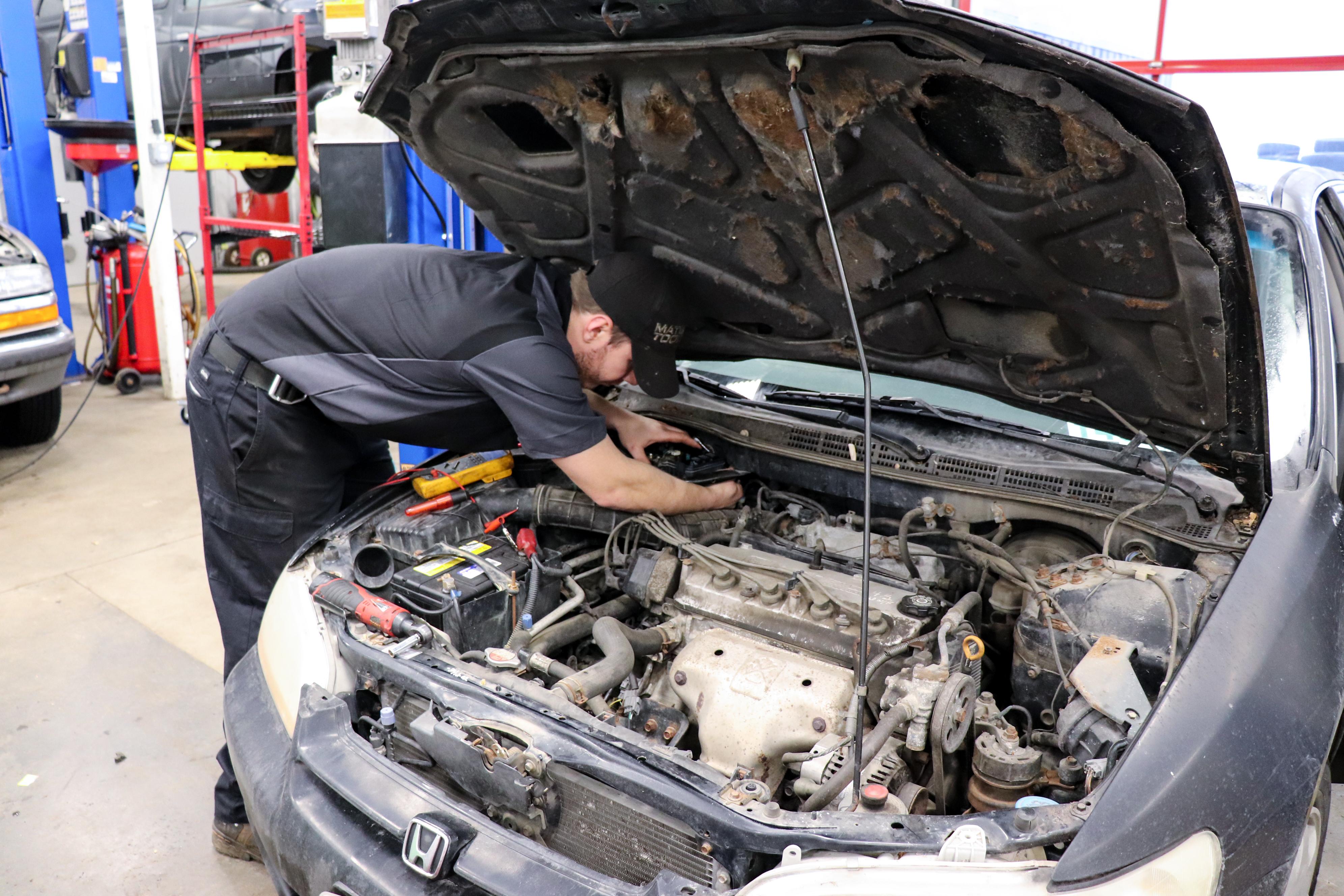 Officina riparazioni auto a prezzi accessibili
